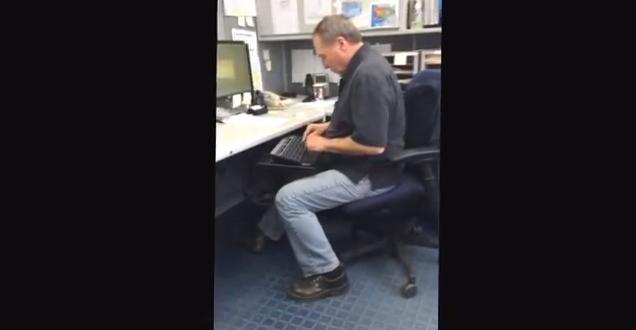 Comment les vieux tapent au clavier