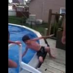 enfant-casse-jambe-piscine