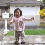 petite-fille-decouvre-pluie