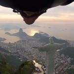 wingsuit-best-jump-bresil-ludovic-woerth-espen-fadnes-chris-redempteur