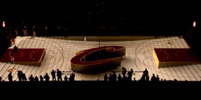 Une projection 3D sur le sol d'un terrain de basket