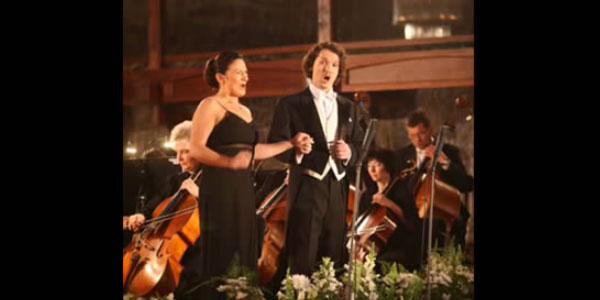 La voix d'un chanteur d'opéra part en vrille