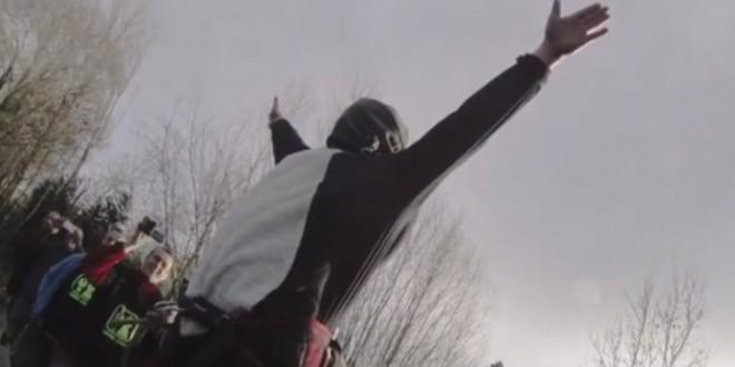 Un fake saut à l'élastique pour son enterrement de vie de garçon