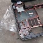 russe-demonte-pc-ordinateur-portable-cafard-vivant-omg