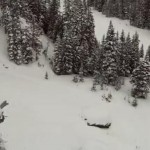 skieur-chute-falaise-colorado-omg