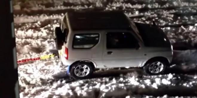 super Suzuki tracte un camion