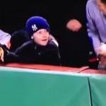 baseball-homme-vol-balle-enfant