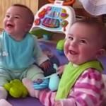 enfant-retrouve-papa-maison-cute