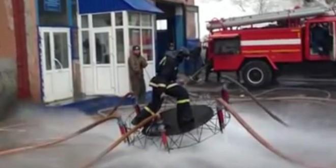 Un pompier volant