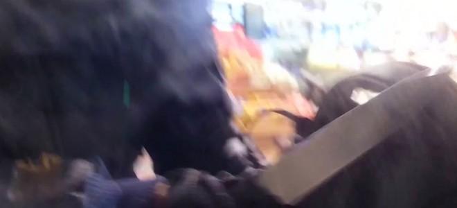 Un braqueur enfermé dans un magasin par un client