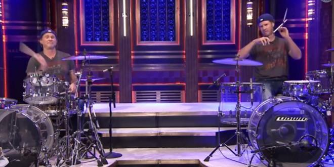 Duel de batterie entre Will Ferrell et Chad Smith