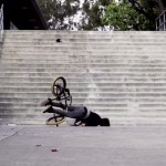 chute-ko-bmx-escalier-choc