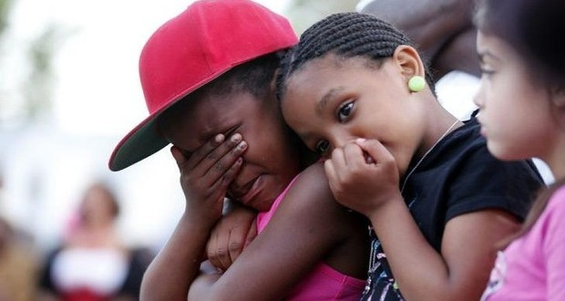 Un petit garçon décède en voulant protéger sa soeur