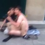 couple-amour-rue-paris
