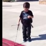 enfant-aveugle-canne