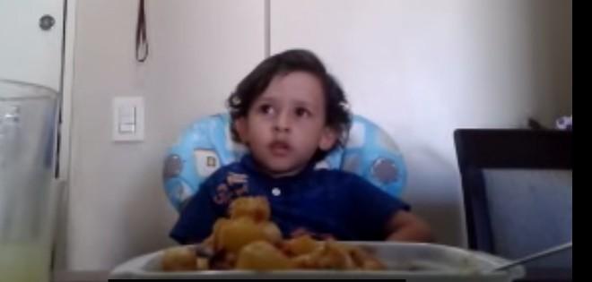 Les propos sensés d'un enfant qui ne veut pas manger de poulpe