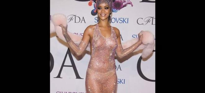 Rihanna dans une robe transparente aux Oscars