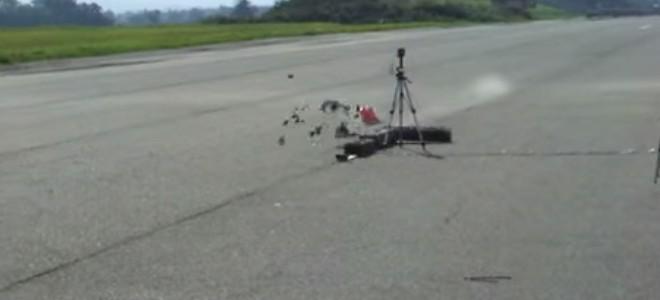 Une voiture radio commandé se crash à 165 km/h