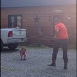 papa-danse-avec-bebe-cute