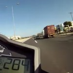 slalom-moto-route-ouverte-autoroute-super-duke-ktm