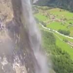 wingsuit-cascade-eau