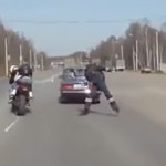 accident-moto-voiture-compilation