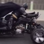 batman-moto-route-japon