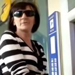 distributeur-billet-agression-femme-aveugle