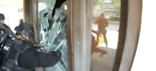 Quand le SWAT se trompe de maison et terrorise une mamie