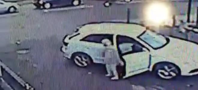 Une femme contre un voleur de voiture