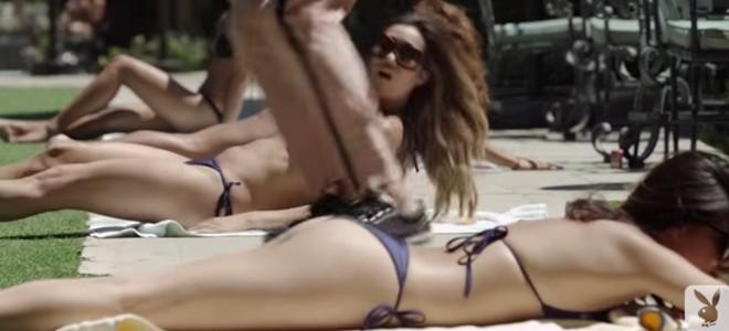 Un skateur se lâche devant les filles de Playboy