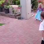 enfant-ballon-foot-slowmotion-headshot