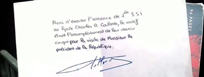 Il fait signer son mot d'excuse par François Hollande