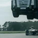 camion-saute-dessus-formule-1