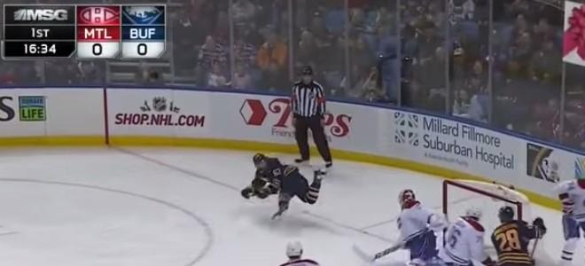 Le but en hockey à l'aveugle et en revers de Tyler Ennis