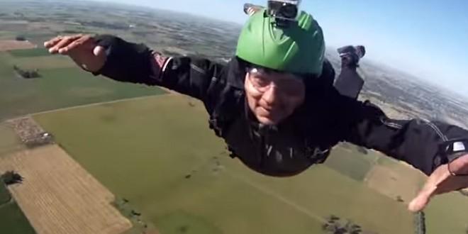 Deux parachutistes sauvés par l'ouverture automatique