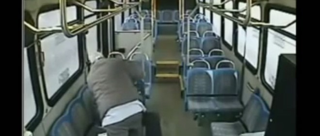 Tabassé par le chauffeur de bus