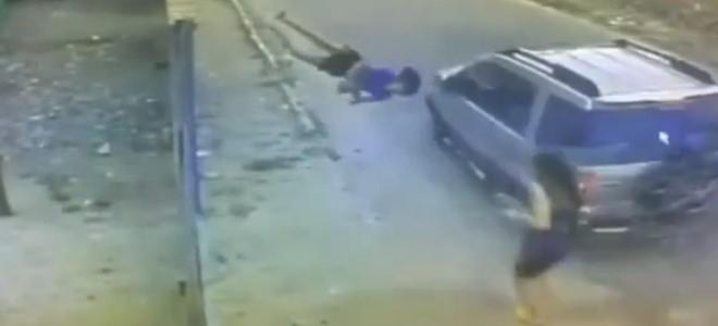 Une femme se fait faucher par une voiture (Délit de fuite)