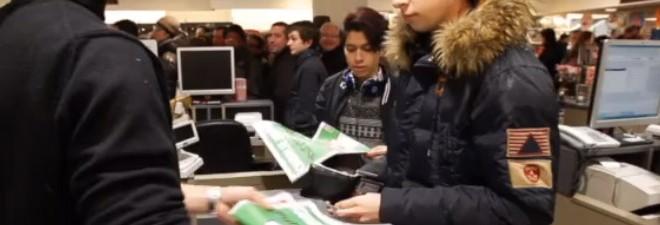 100 exemplaires de «Charlie Hebdo» vendus en quelques minutes