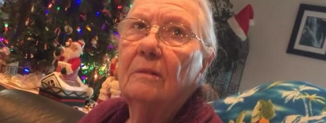 Une mamie reçoit un téléphone en chocolat pour Noël