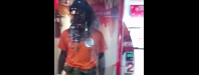 Super Saiyan dans un simulateur d'ouragan