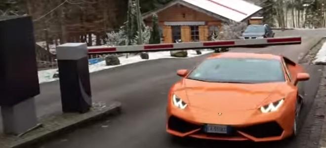 Une Lamborghini ne paie pas le parking