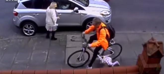 Une petite fille renversée par un cycliste