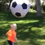 papa-joue-foot-enfant-fail