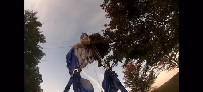 Un parachutiste percute des lignes électriques