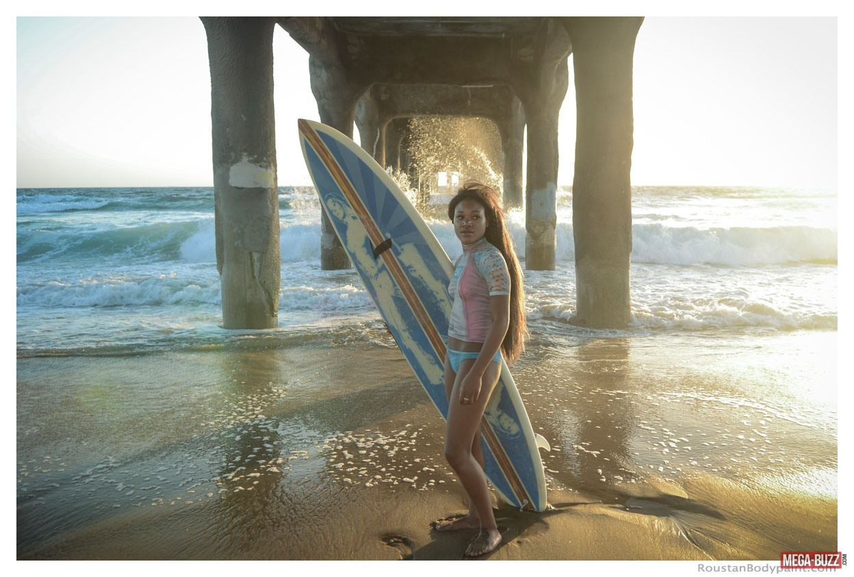 surfeuses-maillot-bain-bodypainting-9