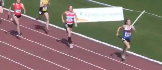 Fantastique remontée de l'athlète Phil Healy en relais 4 x 400 mètres