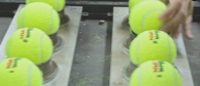 Fabrication d'une balle de tennis