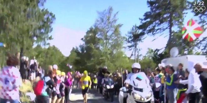 Chris Froome à pied dans le Ventoux pendant le Tour de France