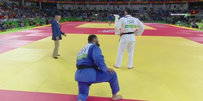 Un judoka égyptien refuse de serrer la main (JO 2016)